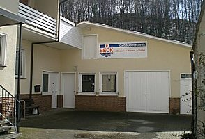 Gewerbehalle mit Werkstatt in Ringgau